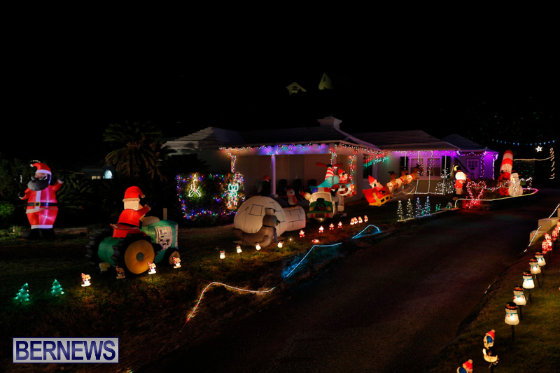 Flatts-North-Shore-Road-Christmas-Decorations-Lights-Bermuda-December-20-2017-7012