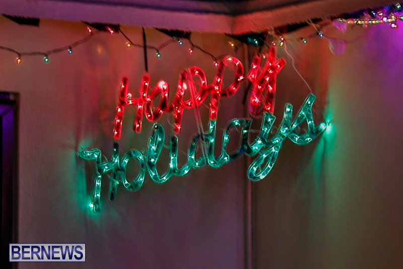 Flatts-North-Shore-Road-Christmas-Decorations-Lights-Bermuda-December-20-2017-7016