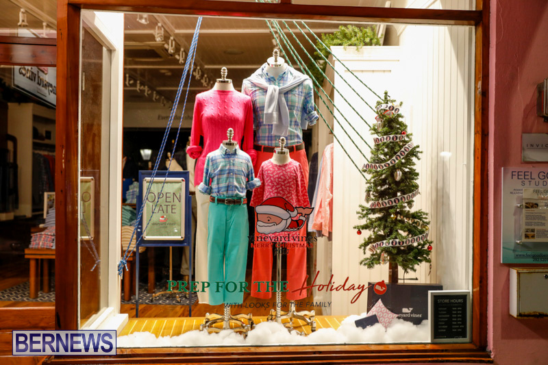 Hamilton-Storefronts-Christmas-Decorations-Lights-Bermuda-December-22-2017-7598
