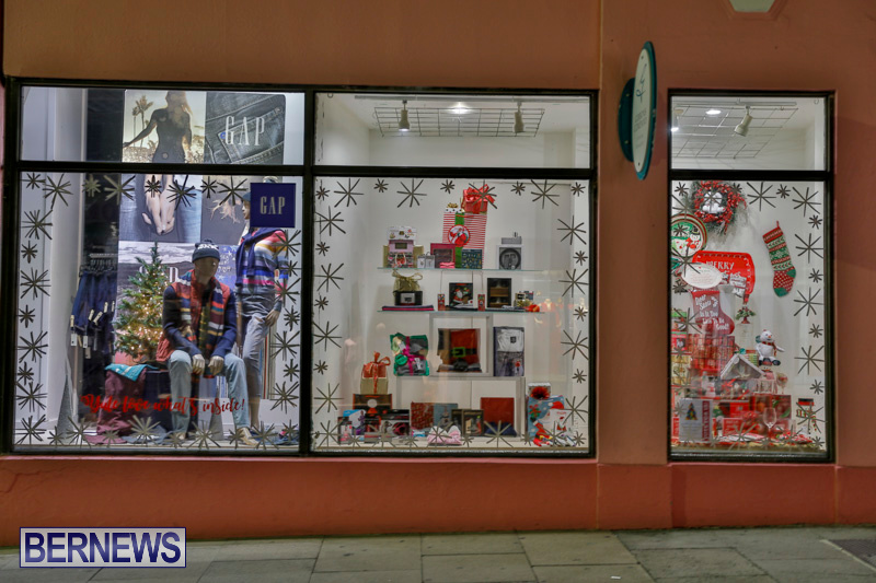 Hamilton-Storefronts-Christmas-Decorations-Lights-Bermuda-December-22-2017-7705