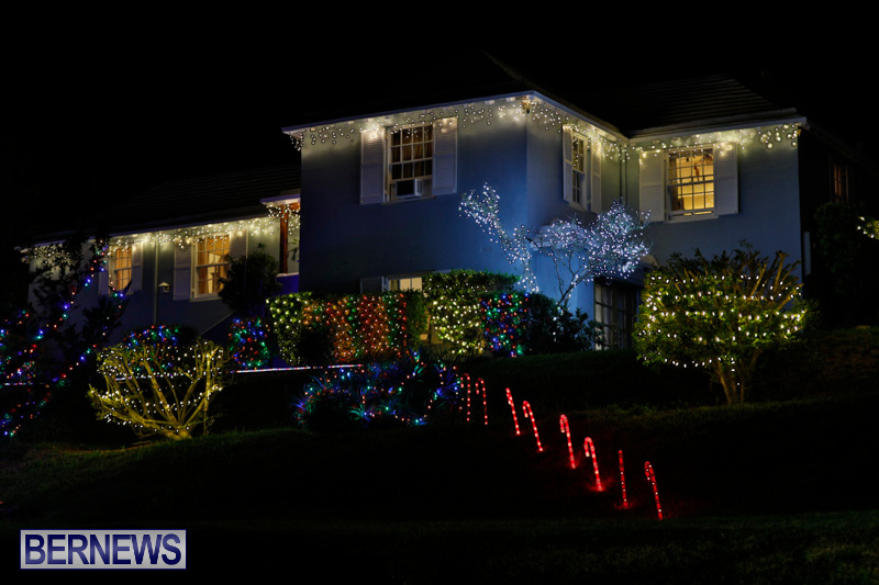Jennings-Road-Christmas-Decorations-Lights-Bermuda-December-20-2017-6729