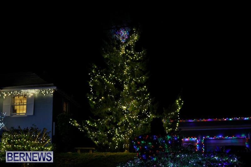 Jennings-Road-Christmas-Decorations-Lights-Bermuda-December-20-2017-6733