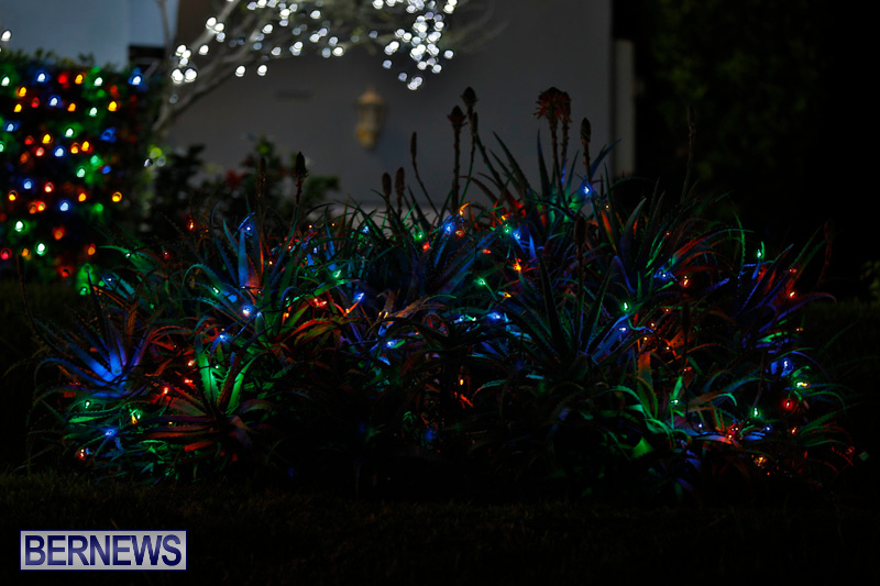 Jennings-Road-Christmas-Decorations-Lights-Bermuda-December-20-2017-6745