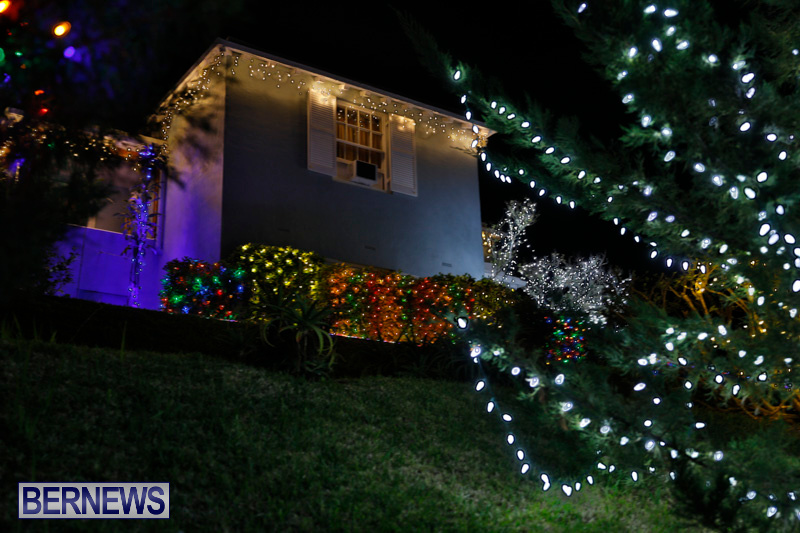 Jennings-Road-Christmas-Decorations-Lights-Bermuda-December-20-2017-6797