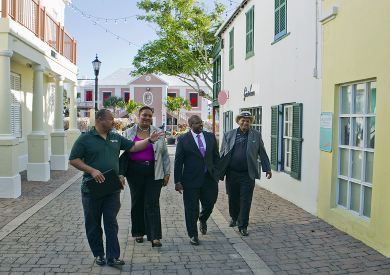 Minister & MPs visit St Georges businesses Bermuda Dec 2017 (1)