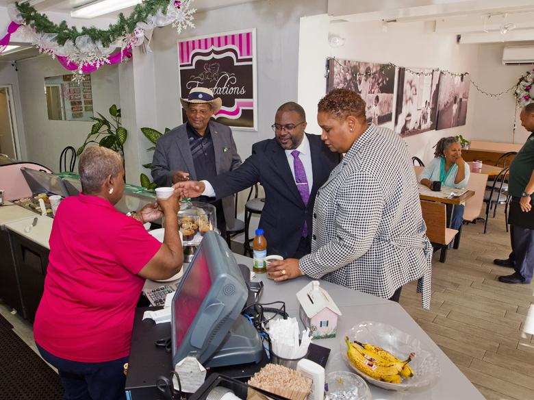 Minister & MPs visit St Georges businesses Bermuda Dec 2017 (6)