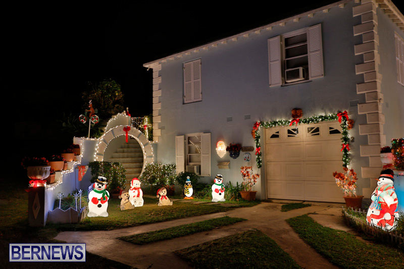 North-Cote-Close-Christmas-Decorations-Lights-Bermuda-December-20-2017-7028
