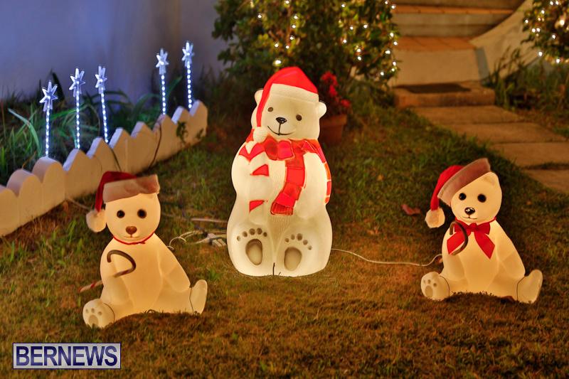 North-Cote-Close-Christmas-Decorations-Lights-Bermuda-December-20-2017-7048