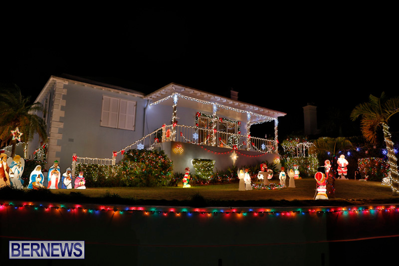 North-Cote-Close-Christmas-Decorations-Lights-Bermuda-December-20-2017-7056