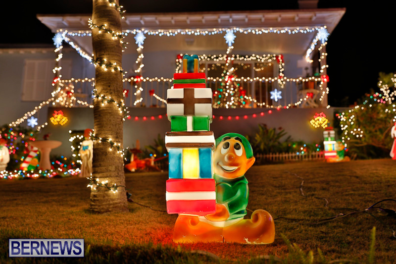 North-Cote-Close-Christmas-Decorations-Lights-Bermuda-December-20-2017-7072