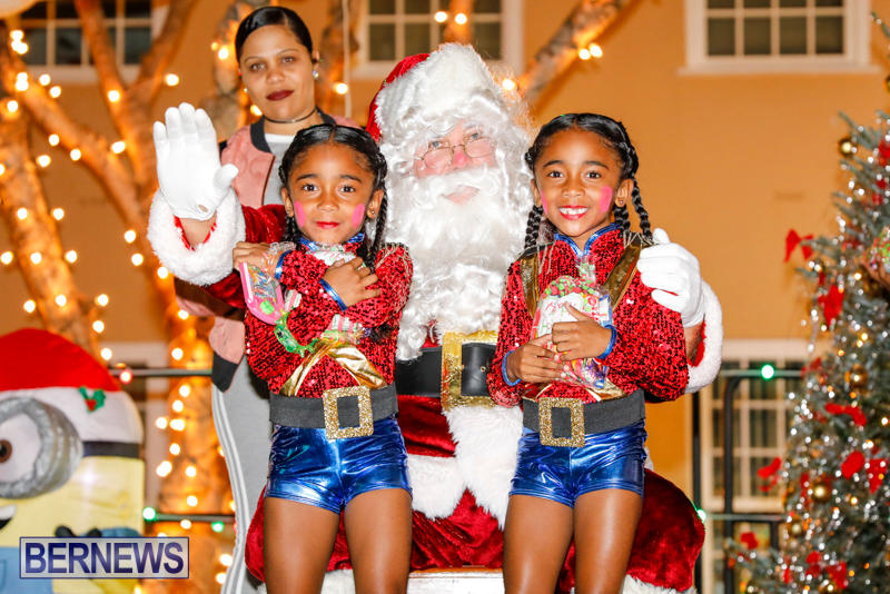 Santa-Comes-To-St-Georges-Bermuda-December-2-2017_3407