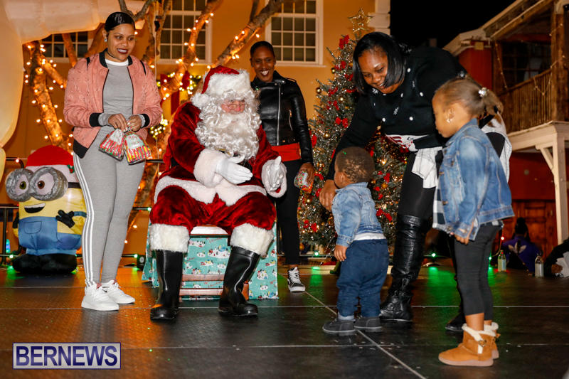 Santa-Comes-To-St-Georges-Bermuda-December-2-2017_3417