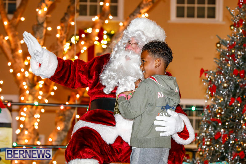 Santa-Comes-To-St-Georges-Bermuda-December-2-2017_3446