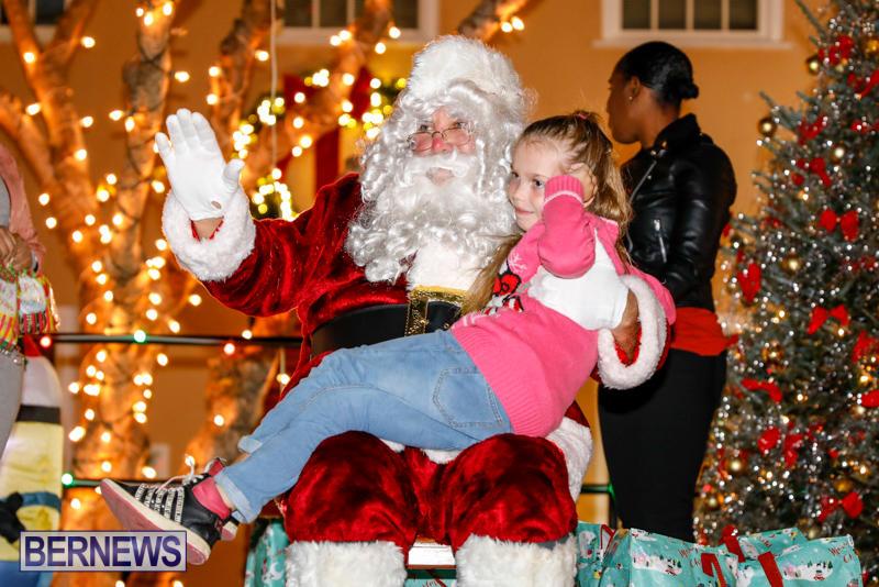 Santa-Comes-To-St-Georges-Bermuda-December-2-2017_3466