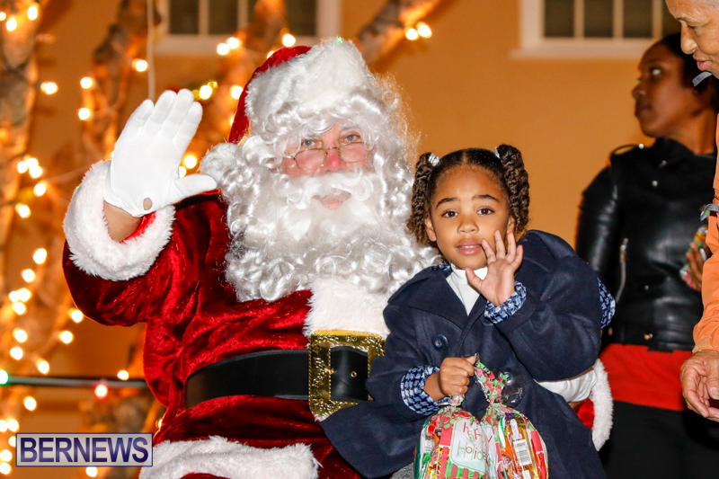 Santa-Comes-To-St-Georges-Bermuda-December-2-2017_3486