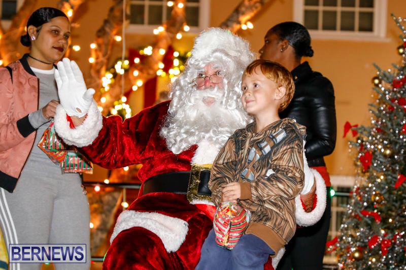 Santa-Comes-To-St-Georges-Bermuda-December-2-2017_3491