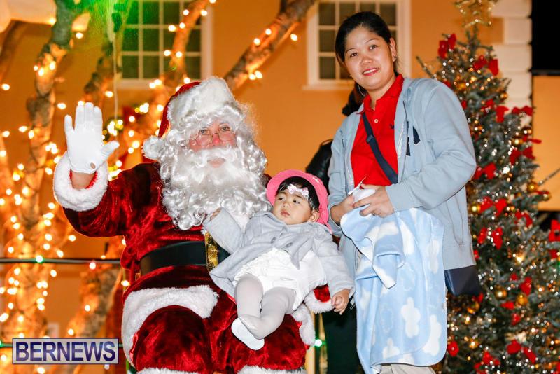 Santa-Comes-To-St-Georges-Bermuda-December-2-2017_3522