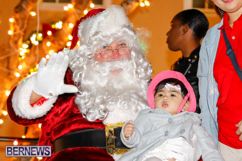 Santa-Comes-To-St-Georges-Bermuda-December-2-2017_3525