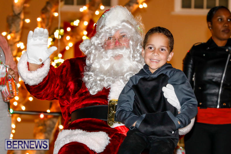 Santa-Comes-To-St-Georges-Bermuda-December-2-2017_3544