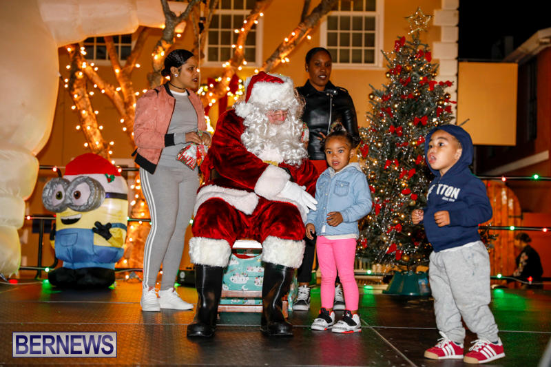 Santa-Comes-To-St-Georges-Bermuda-December-2-2017_3576