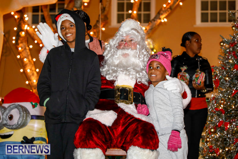 Santa-Comes-To-St-Georges-Bermuda-December-2-2017_3581