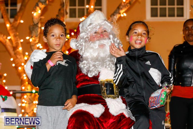 Santa-Comes-To-St-Georges-Bermuda-December-2-2017_3594
