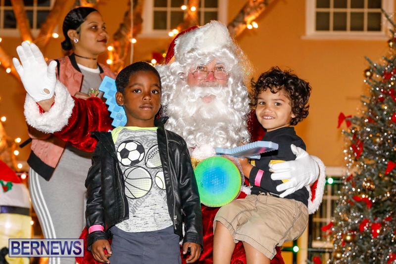 Santa-Comes-To-St-Georges-Bermuda-December-2-2017_3603