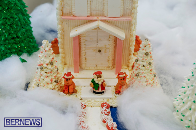 Sylvia-Richardson-Care-Facility-Christmas-Chef-Decorations-Bermuda-December-20-2017-6503