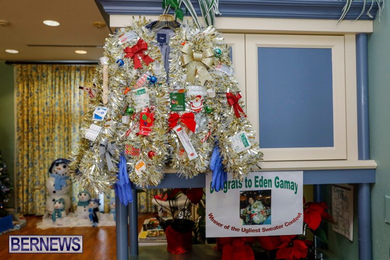 Sylvia-Richardson-Care-Facility-Christmas-Decorations-Bermuda-December-20-2017-6525