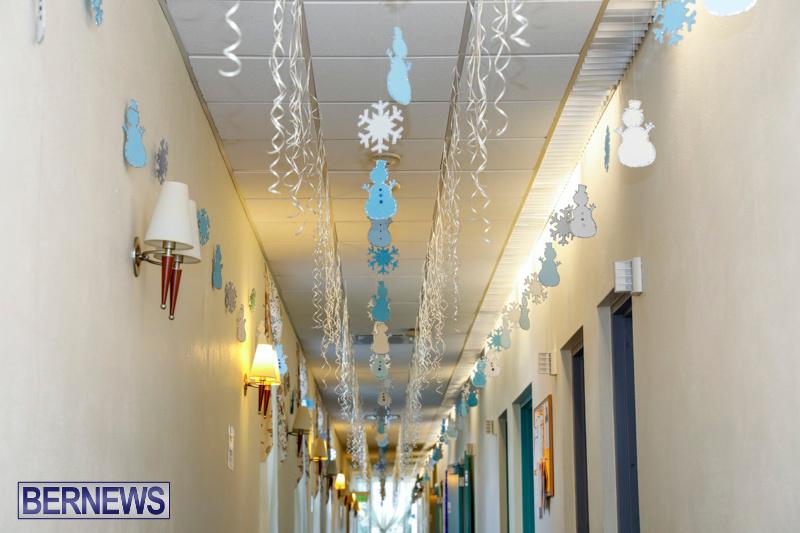 Sylvia-Richardson-Care-Facility-Christmas-Decorations-Bermuda-December-20-2017-6538