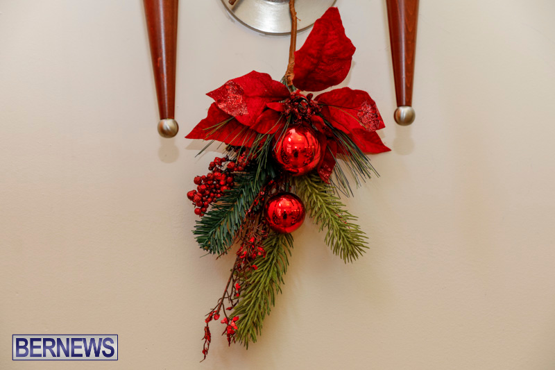 Sylvia-Richardson-Care-Facility-Christmas-Decorations-Bermuda-December-20-2017-6558