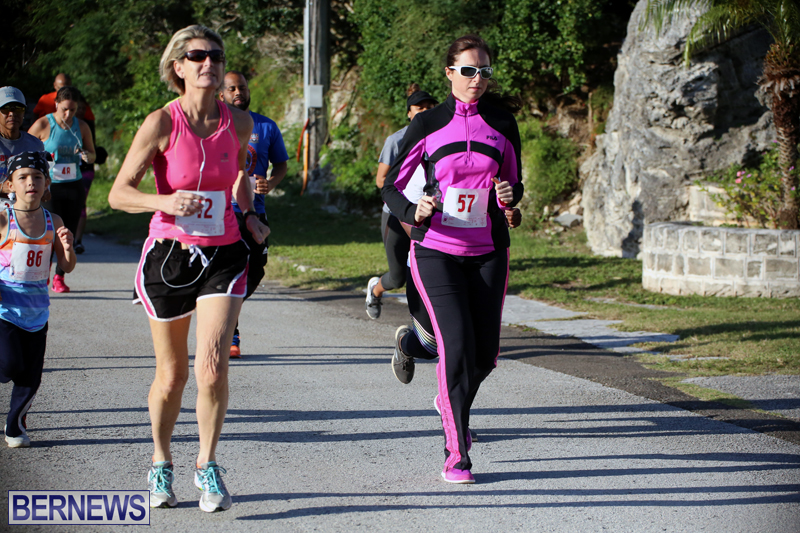 running-Bermuda-Dec-20-2017-14