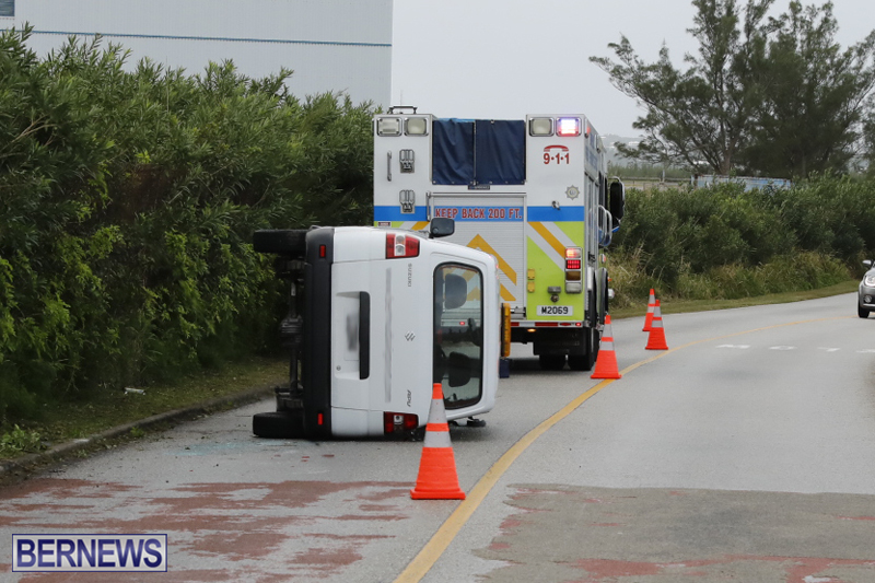Overturned van Bermuda Jan 12 2018 (1)