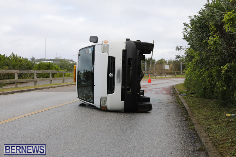 Overturned van Bermuda Jan 12 2018 (6)