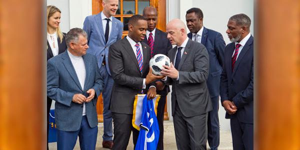 Premier meets FIFA President Bermuda Jan 17 2018 (4)