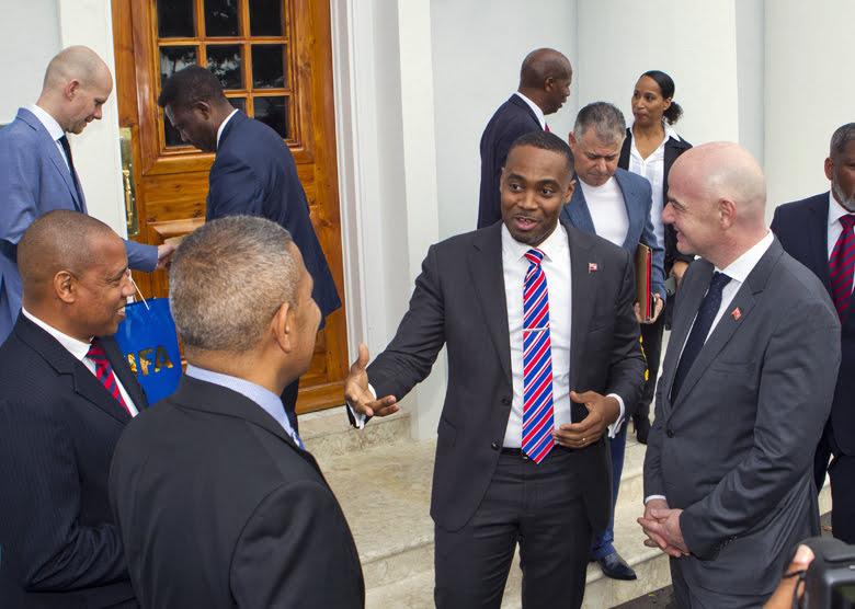 Premier meets FIFA President Bermuda Jan 17 2018 (6)