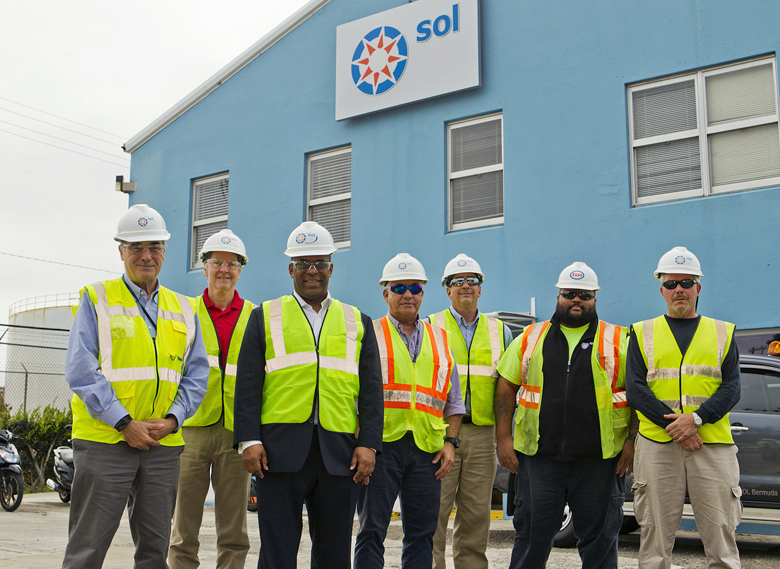 Minister Walter Roban Tours Fuel Plant Bermuda Feb 7 2018 (4)