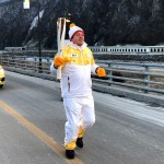 Patrick Singleton Carrying Olympic Torch Bermuda Feb 7 2018 (10)