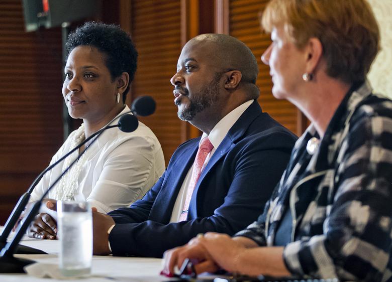 Tourism Minister & BHI Bermuda Feb 2018 (1)