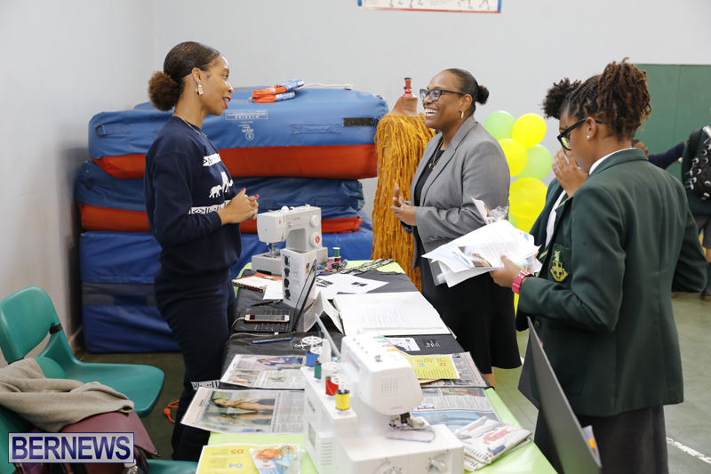 Whitney-Institute-Middle-School-Career-Fair-Bermuda-Feb-9-2018-31