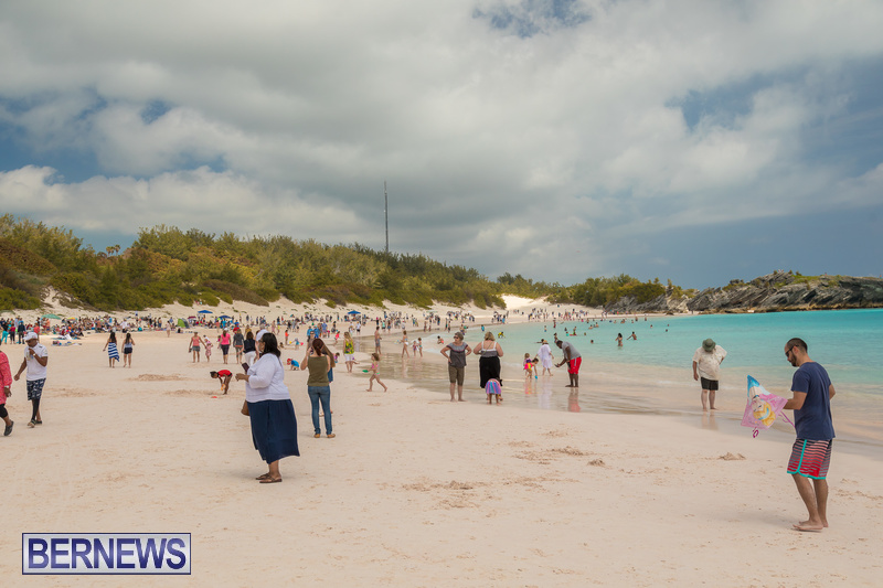 Horseshoe-Beach-Good-Friday-Bermuda-March-30-2018-16