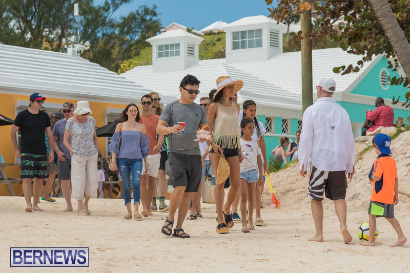 Horseshoe-Beach-Good-Friday-Bermuda-March-30-2018-27