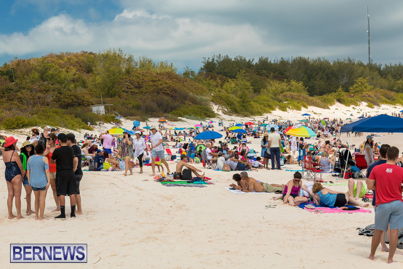 Horseshoe-Beach-Good-Friday-Bermuda-March-30-2018-30
