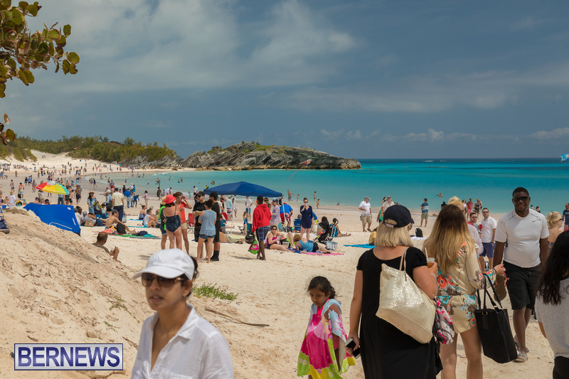 Horseshoe-Beach-Good-Friday-Bermuda-March-30-2018-32