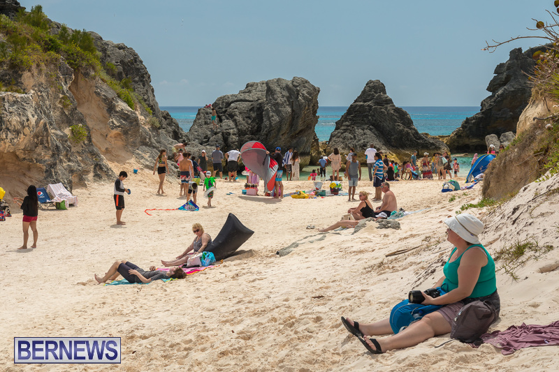 Horseshoe-Beach-Good-Friday-Bermuda-March-30-2018-5