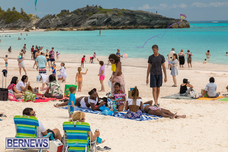 Horseshoe-Beach-Good-Friday-Bermuda-March-30-2018-6