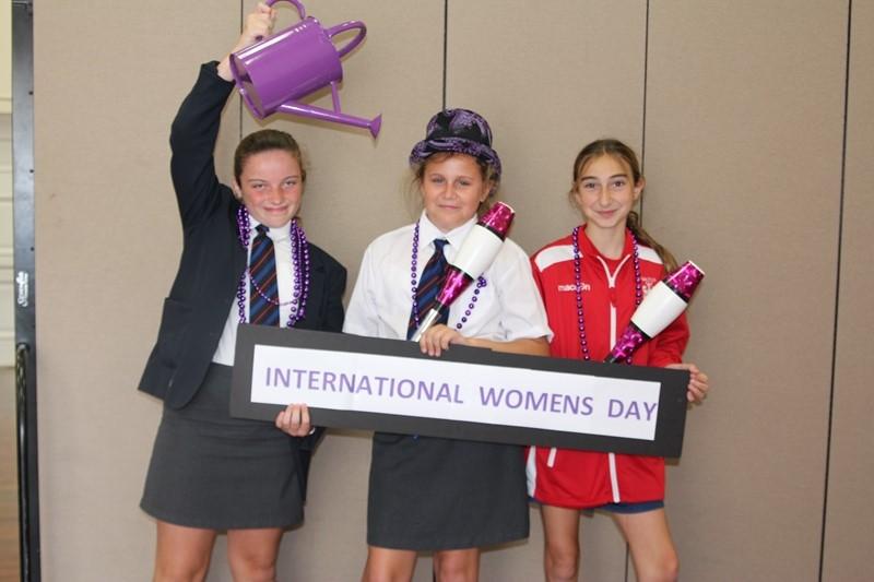 International-womans-day-at-saltus-Mar-08-15