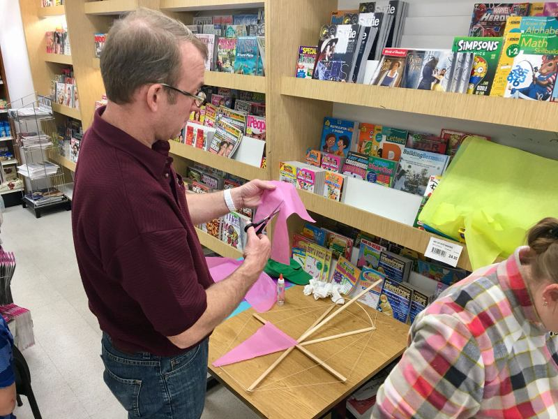 Phoenix Stores Kite Making Workshops Bermuda, March 25 2018 (4)