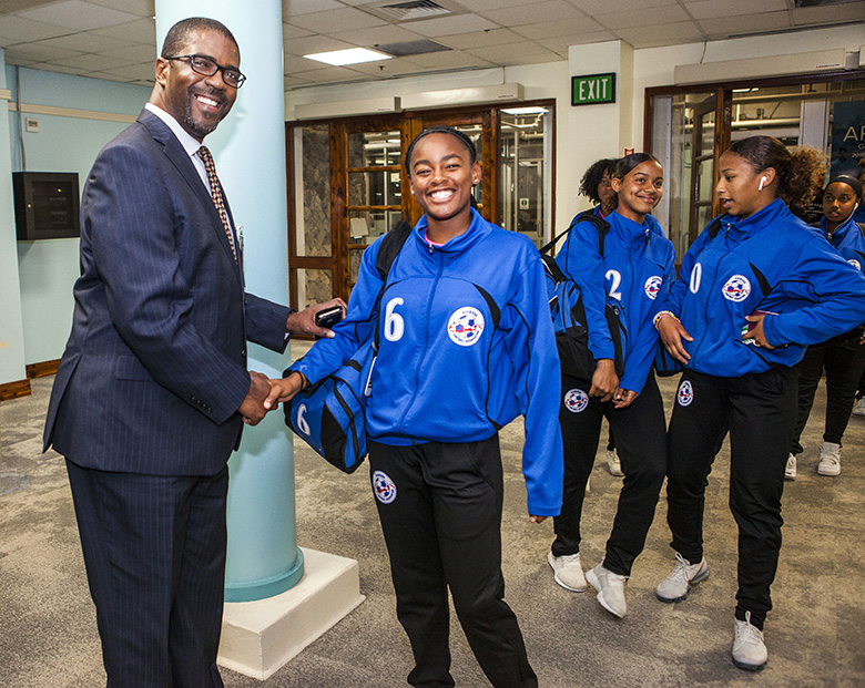 Minister Weeks Greets U17 Football Team Bermuda April 2018 (1)