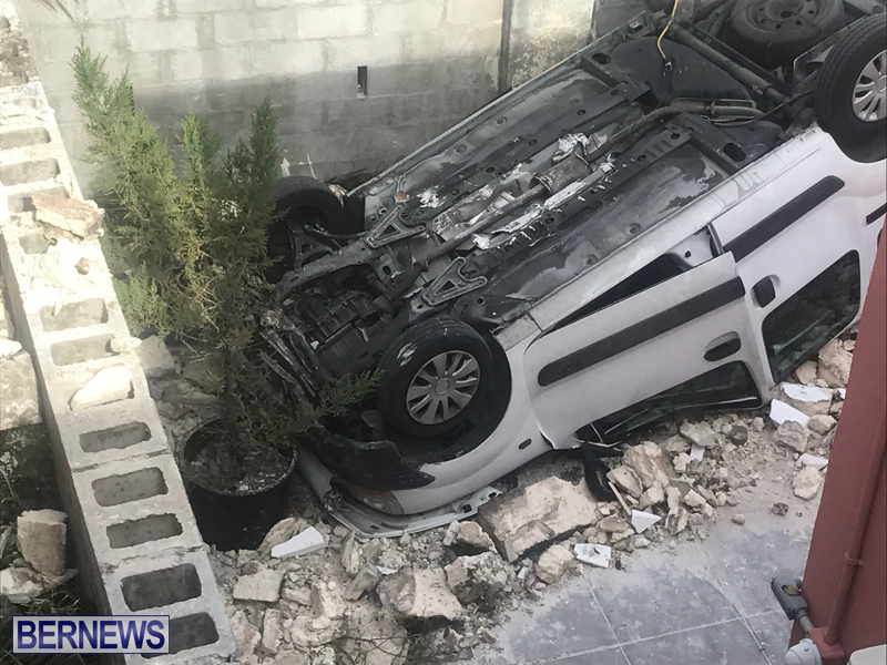 Overturned Car Bermuda April 11 2018 (2)